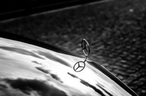 Auto dla wielu osób to sposób na budowanie własnej pozycji społecznej